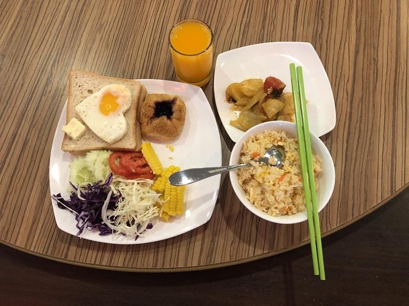 tấm ảnh dùng bữa sáng